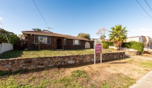Photo of the property: 40 Danbury Crescent, Girrawheen WA 6064