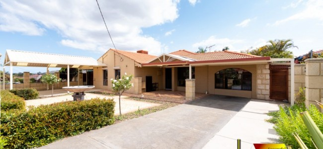 Photo of the property: 14 O'Grady Way, Girrawheen